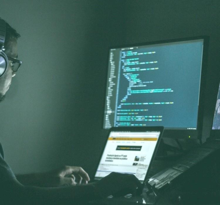 Cyberwarfare: quando la guerra si fa digitale