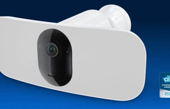 Arlo Pro 3 Floodlight, videosorveglianza senza fili con LED e cloud