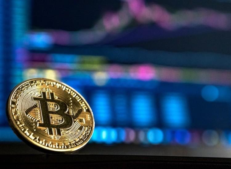 """Bitcoin e riciclaggio: 2,8 miliardi di dollari """"ripuliti"""" nel 2019"""